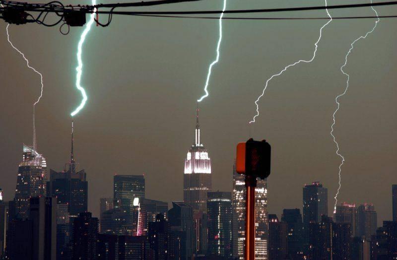 100503 Lightning New York City.jpg