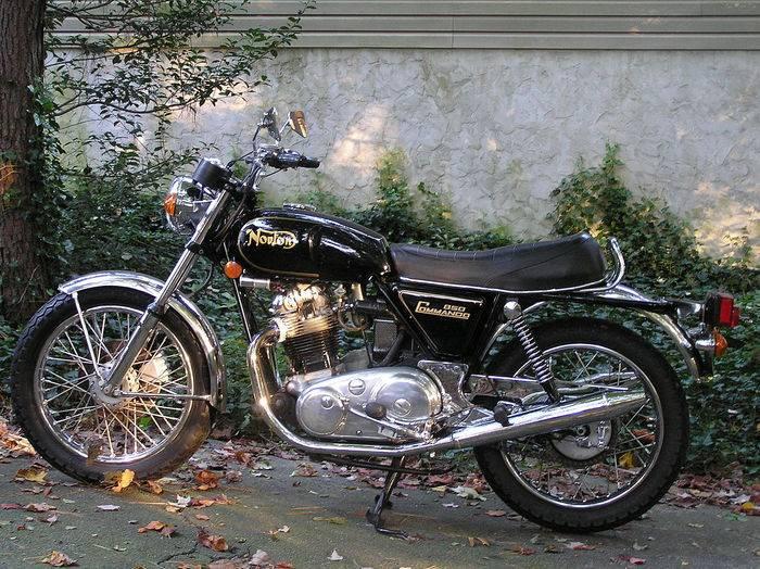 1280px-1973_Norton_850.JPG