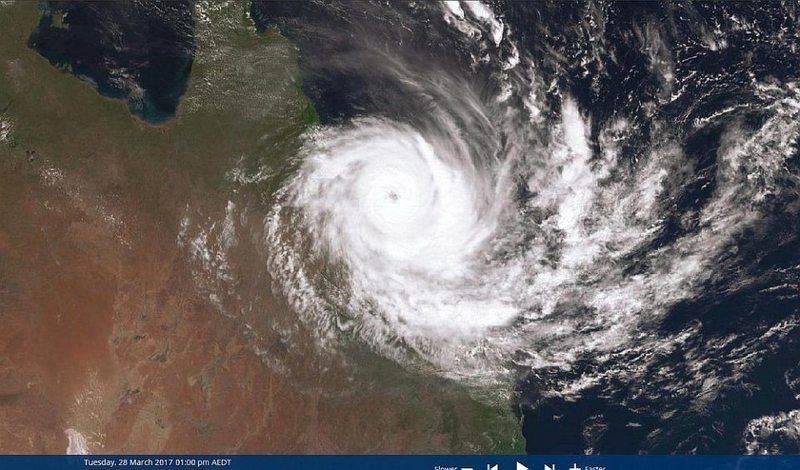 170328 1200EST Cyclone Debbie FNQsm.jpg