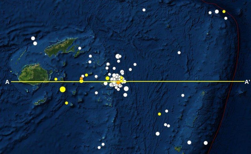 180919 and 0907  UT M 8.2 - blue, 7.9 - yellow E of Fiji2a.JPG