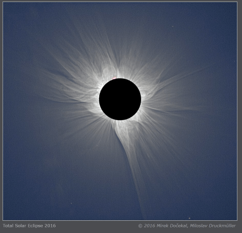 2017.08.06.bracketed.solar.eclipse.corona.png
