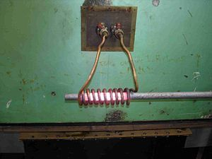 300px-Induction_heating_of_bar.jpg