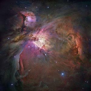 300px-Orion_Nebula_-_Hubble_2006_mosaic_18000.jpg
