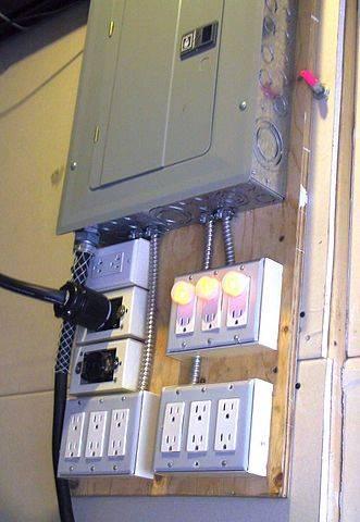 331px-Breakerpanel-mechroom136rp.jpg