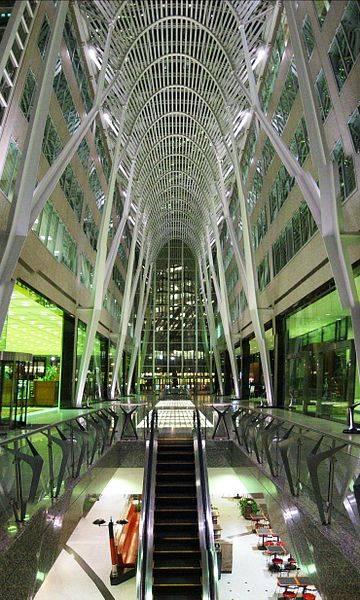360px-BCE_Place_Galleria_Toronto_Panorama_2002_cropped.jpg