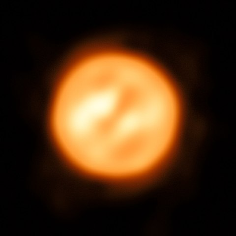 480px-VLTI_reconstructed_view_of_the_surface_of_Antares.jpg
