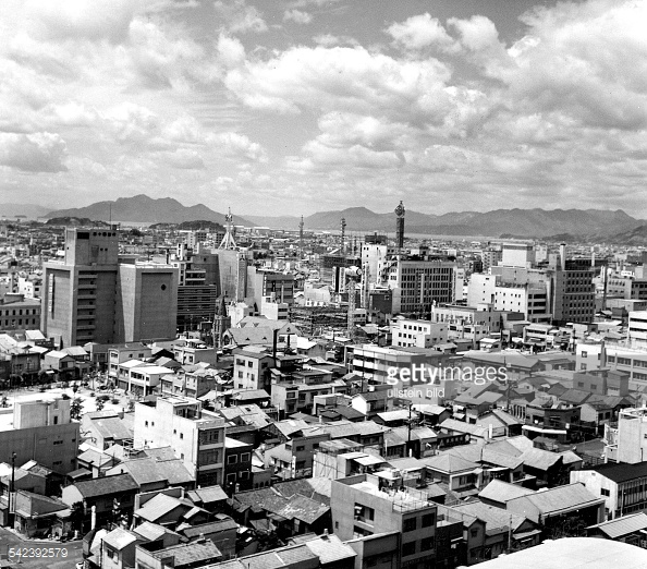 542392579-hiroshima-the-rebuilt-city-of-hiroshima-1964-gettyimages.jpg