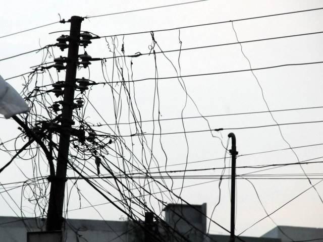 697027-KHIElectricitytheftthroughKundaSystematWAPDAWiresMohammadAdeel-1397806245-685-640x480.jpg