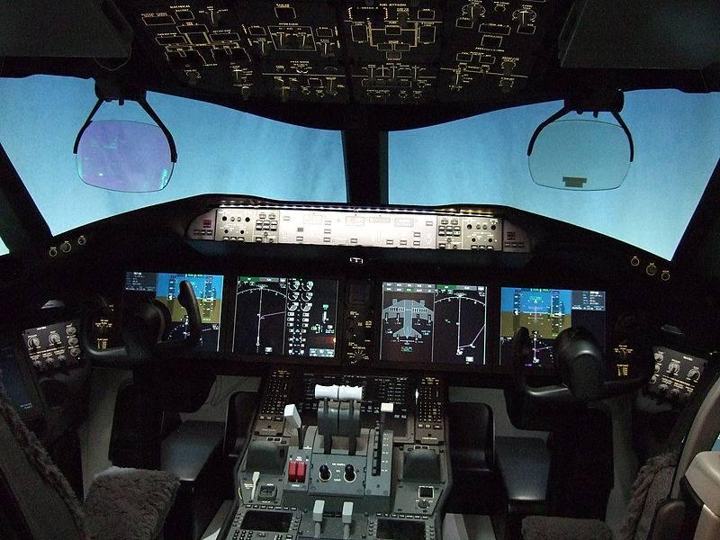 800px-787-flight-deck.jpg