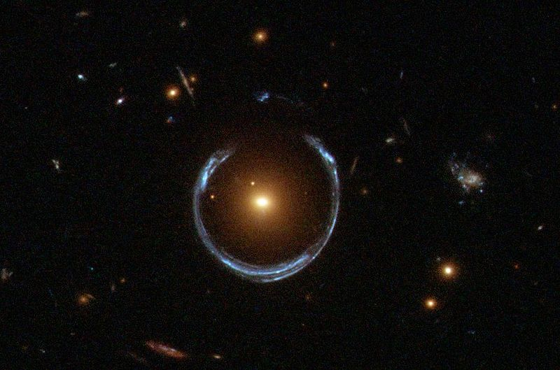 800px-A_Horseshoe_Einstein_Ring_from_Hubble.JPG
