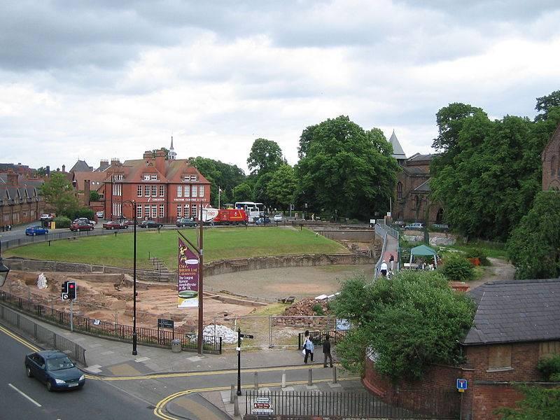 800px-Chester_amphitheatre.jpg
