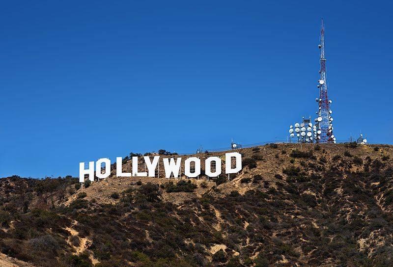 800px-Hollywood_Sign.jpg