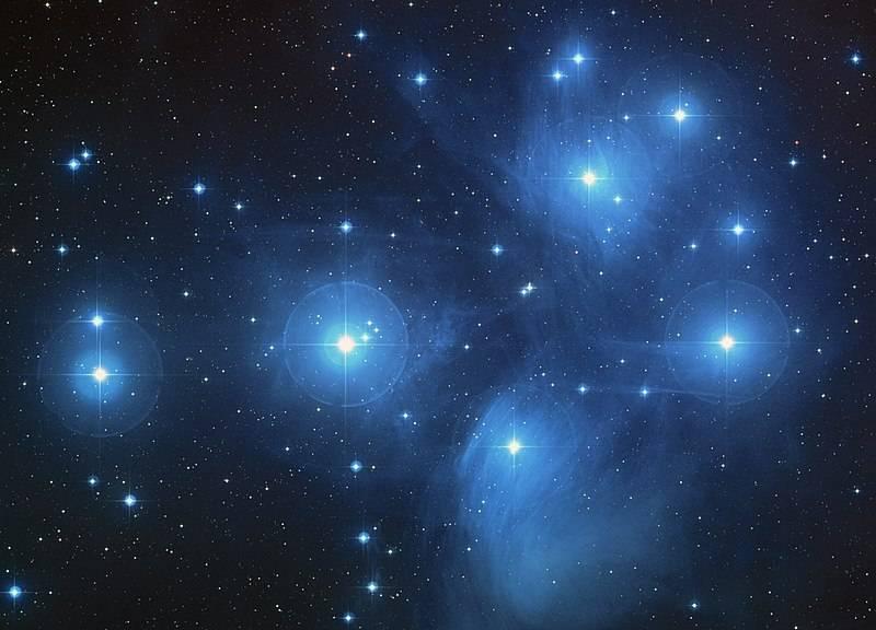800px-Pleiades_large.jpg