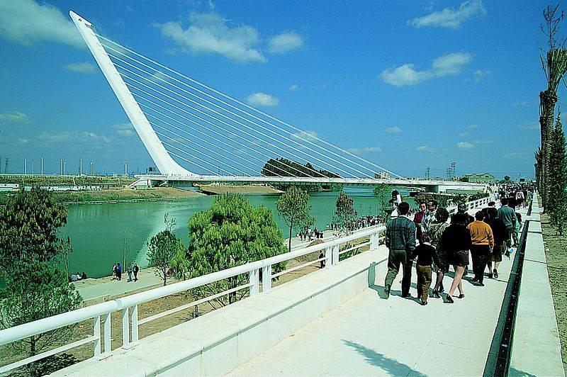 800px-Puente_del_Alamillo.jpg