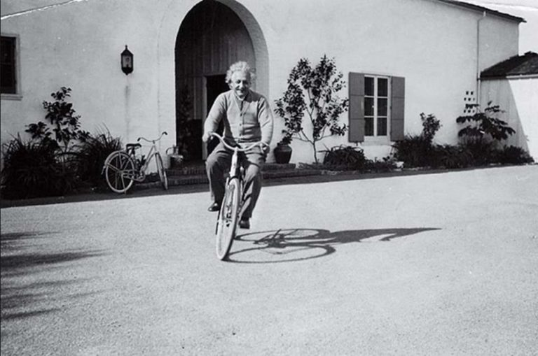 albert-einstein-riding-a-bike-768x509.jpg
