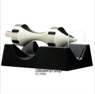 America-Carlisleco-magnetic-font-b-levitation-b-font-font-b-pen-b-font-spin-freely-desk.jpg