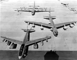 B-36%20B-52B%20B-47E%20front%20Eglin%20firepower%20demo%20m.jpg