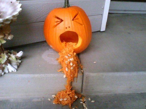 Barfing_Pumpkin_by_Jiyae.jpg