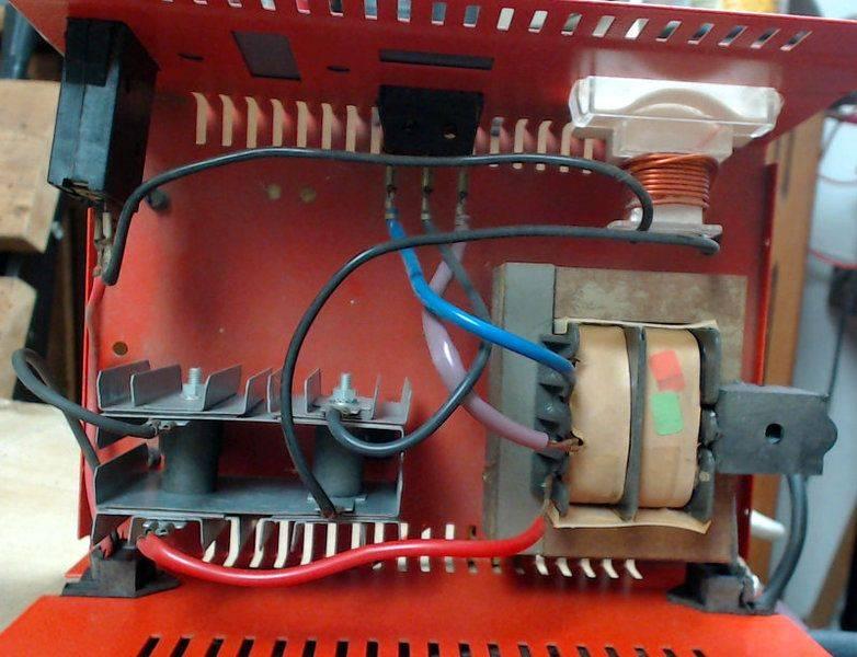 batt-charger-absaar-inside.jpg