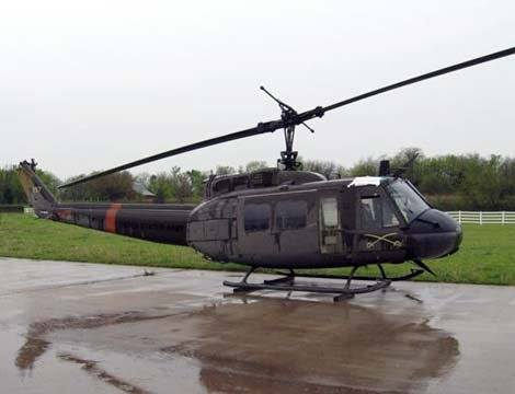 Bell_UH_1H_Huey_Helicopter.jpg