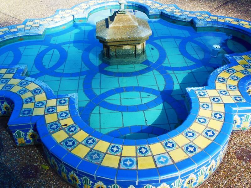 blue-fountain-jpg.jpg