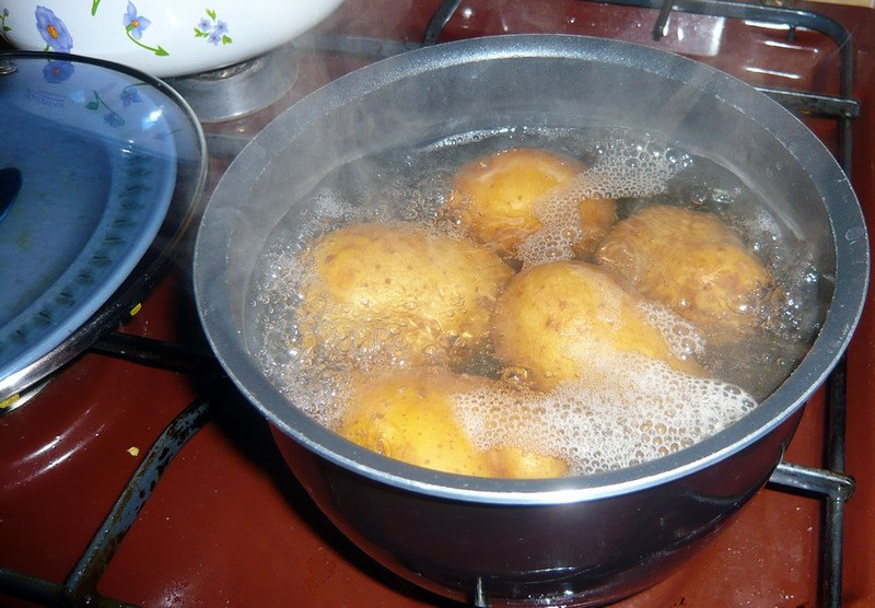boiling-potatoes.jpg