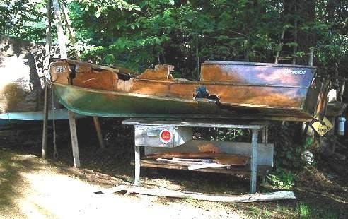 brokeboat.jpg