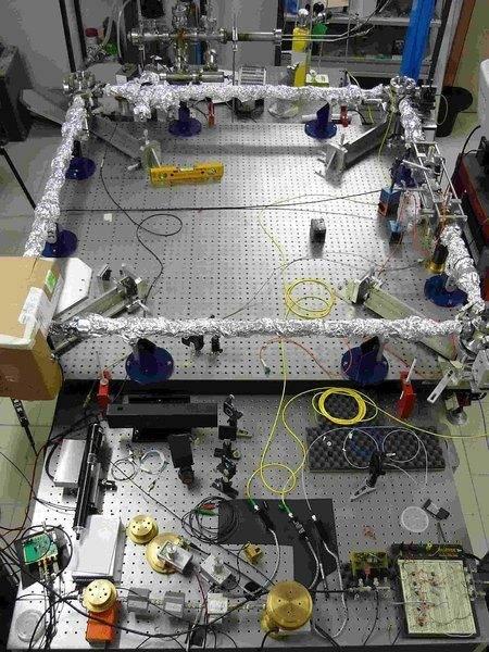 Canterbury ring laser apparatus sm.jpg