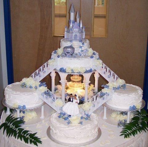Castle-Fountain-Wedding-Cake.jpg
