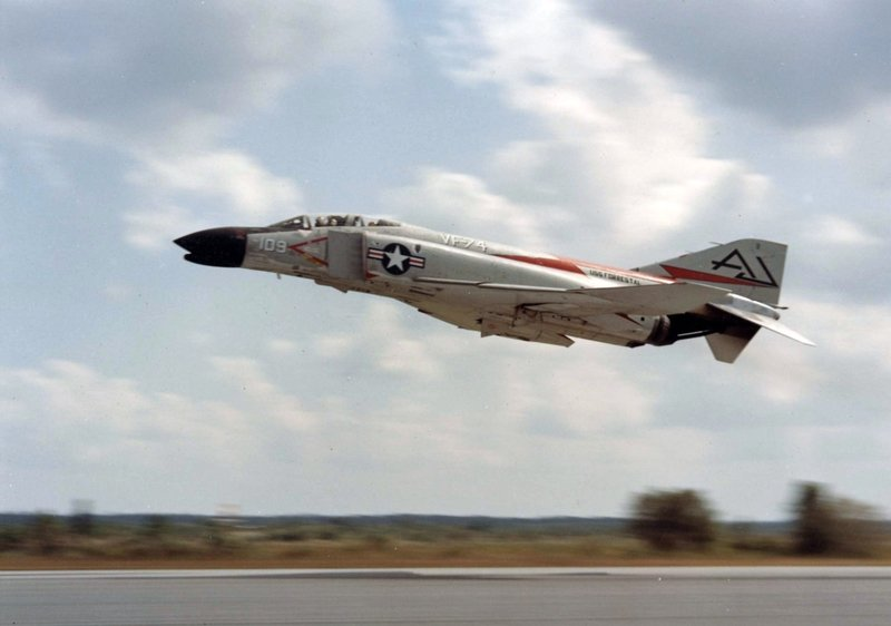 F-4B_VF-74_taking_off_1961.jpg