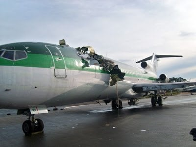 green-plane-canada-airlines.jpg