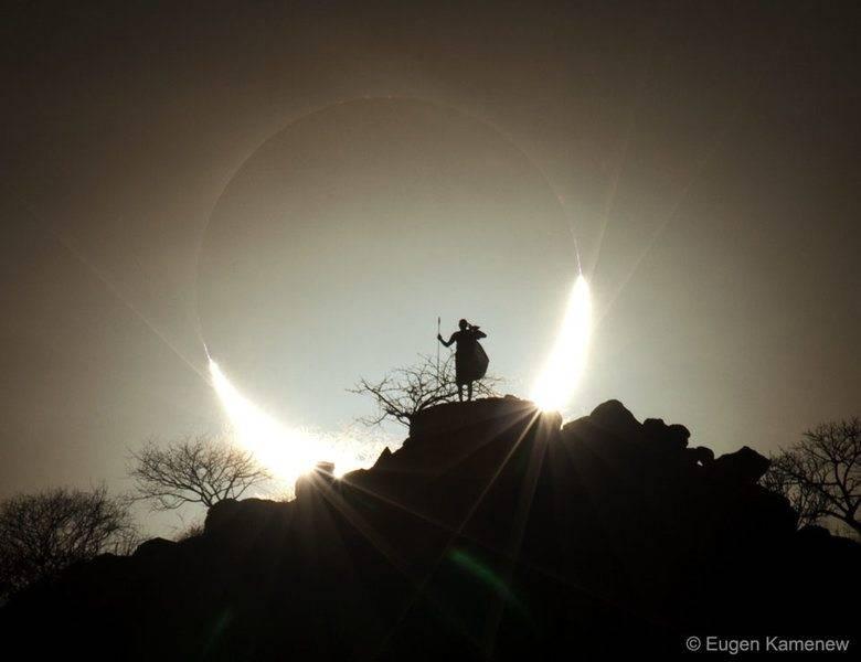 HybridSolarEclipse_Kamenew_960.jpg