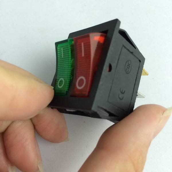 kcd6-Red-Green-Light-6Pins-Double-SPST-On-Off-Rocker-Boat-Switch-AC-250V-15A-125V.jpg