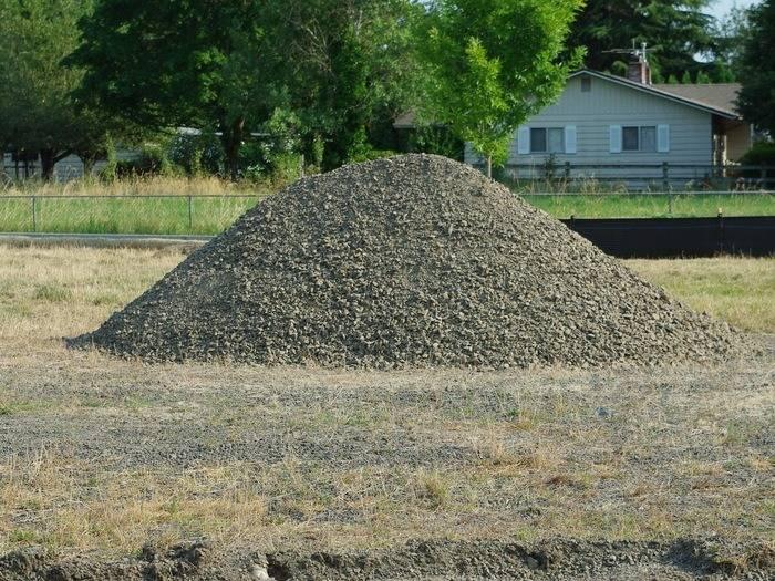 Lone_pile_of_gravel_-_Hillsboro%2C_Oregon.JPG