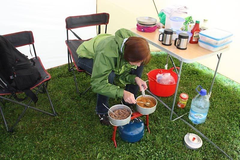 marcin_preparing_food.jpg