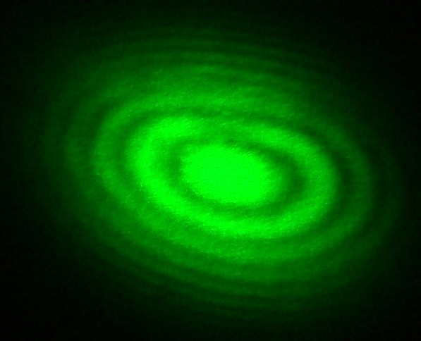 Michelson_Interferometer_Green_Laser_Interference.jpg