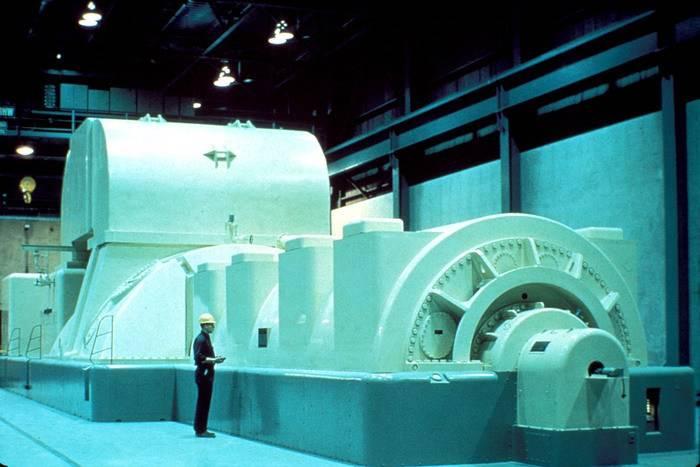 Modern_Steam_Turbine_Generator.jpg