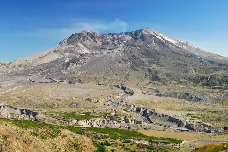 Mount-Saint-Helens-from-Johnston-Ridge-State-of-Washington-United-States-7-31-2007.jpg