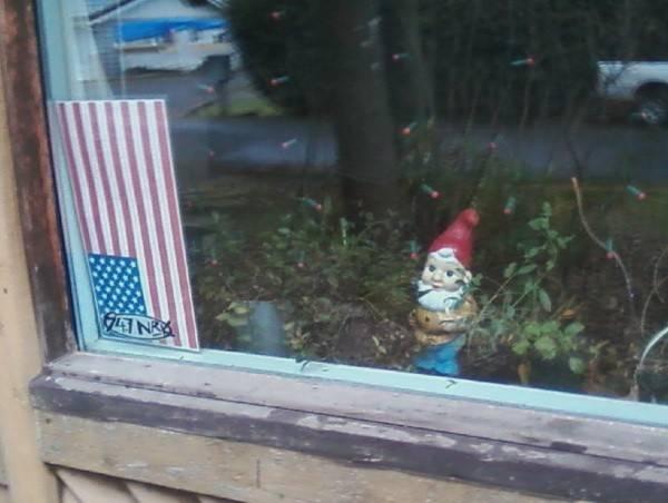 pf.2013.01.05.oms.patriot.indoor.garden.guard.gnome.jpg