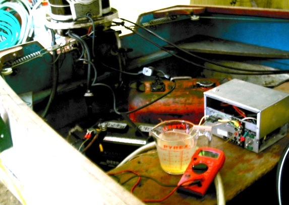pf.2013.08.11.1144am..om.nacl.h2o.pb.battery.experiment.jpg