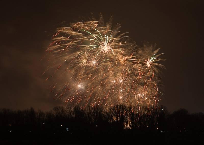 proxy.php?image=http%3A%2F%2Fwww.bpp.com.pl%2FIMG%2Fmarzena_fireworks.jpg