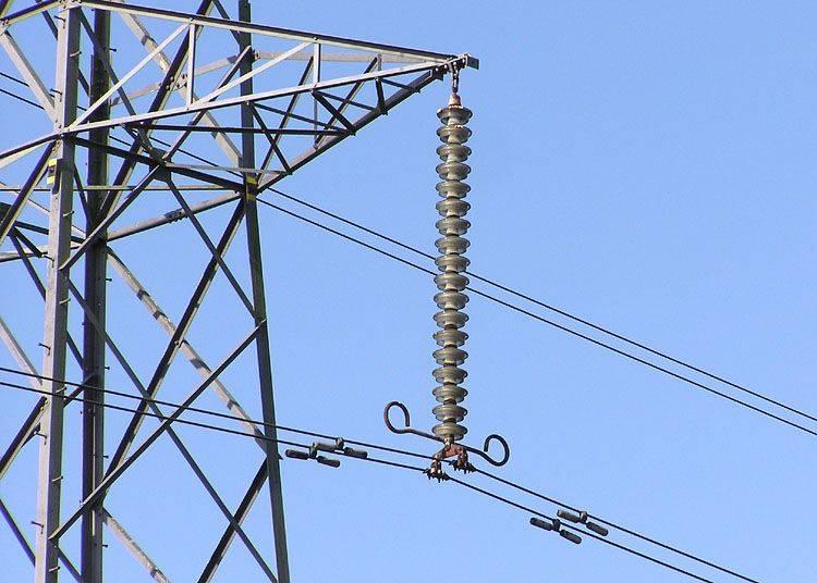 Pylon.detail.arp.750pix.jpg