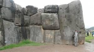 Sacsayhuaman_wall1.jpg