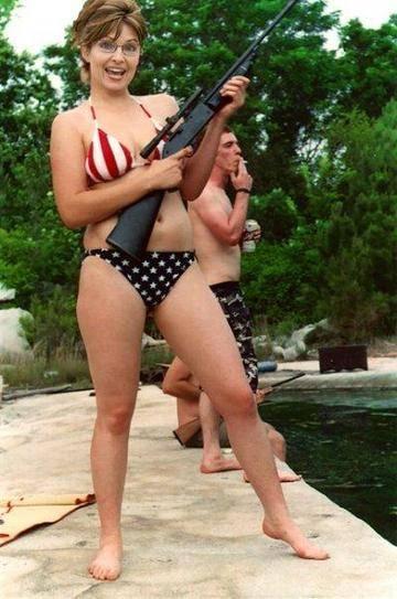 sarah_palin_gun_bikini.jpg