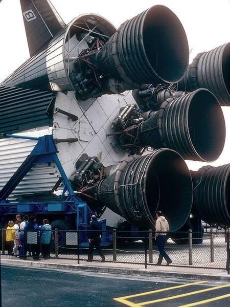 SaturnV.jpe