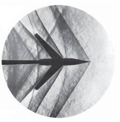 Schlierenfoto_Mach_1-2_Pfeilflügel_-_NASA.jpg