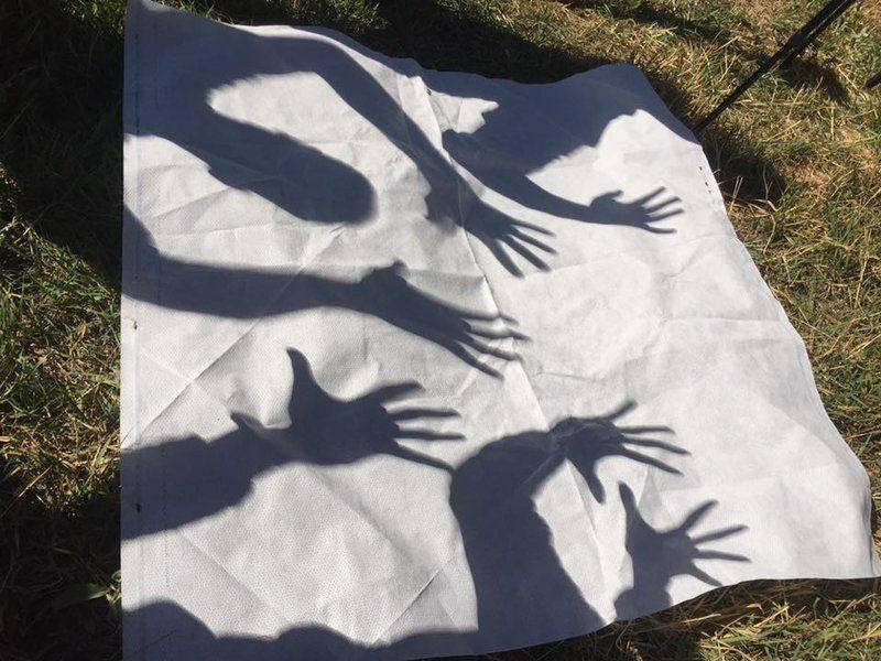 shadow.handing.jpg