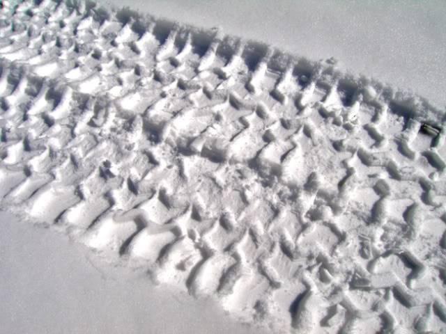 SnowTireTracksSmall.jpg