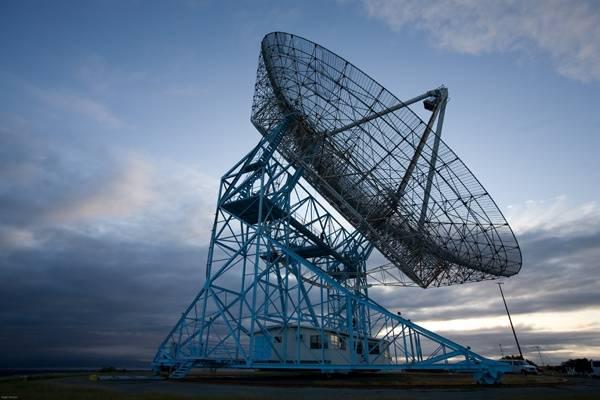 SRI_Dish_radio_antenna.jpg