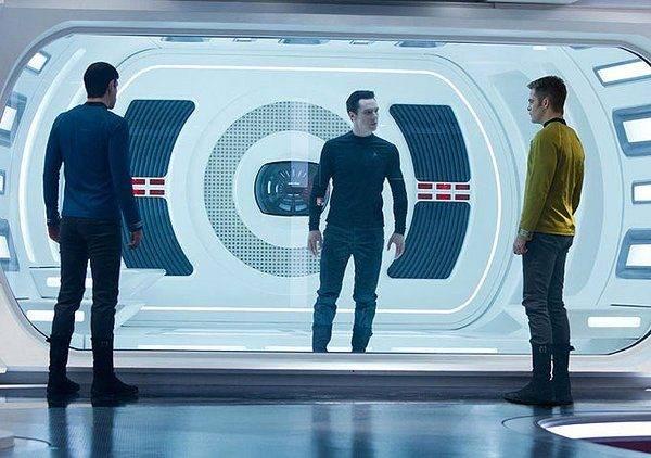 star-trek-into-darkness-khan-kirk-spock.jpg